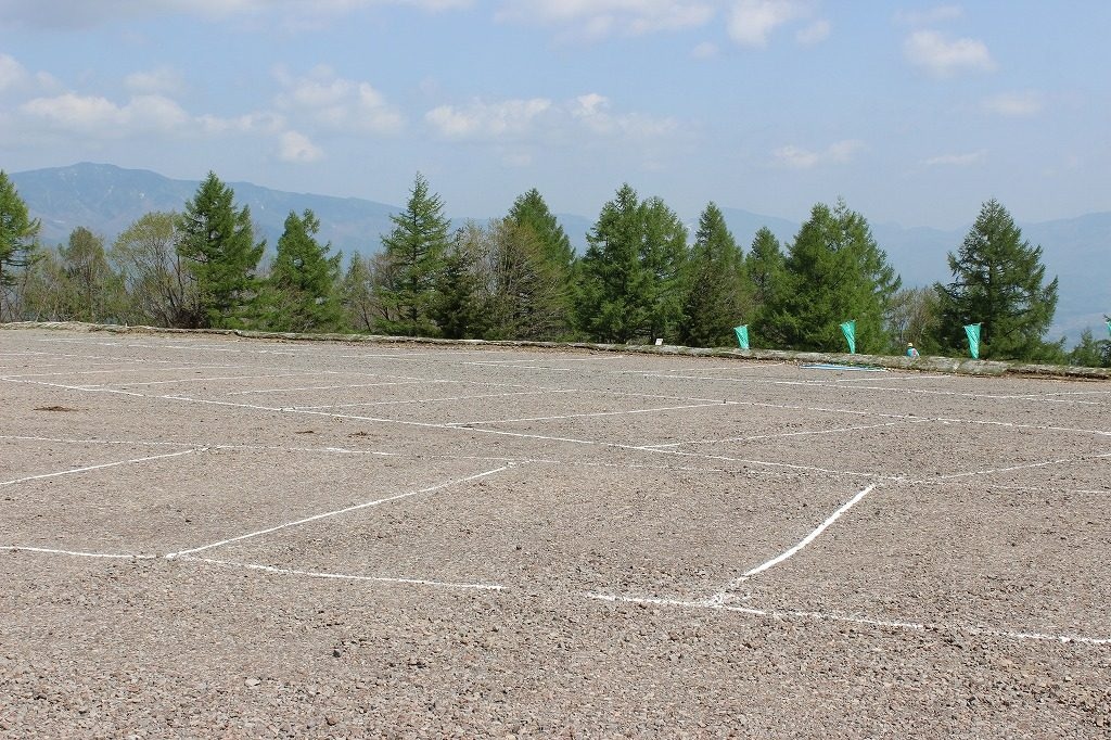 嬬恋村・浅間高原シャクナゲ園の駐車場