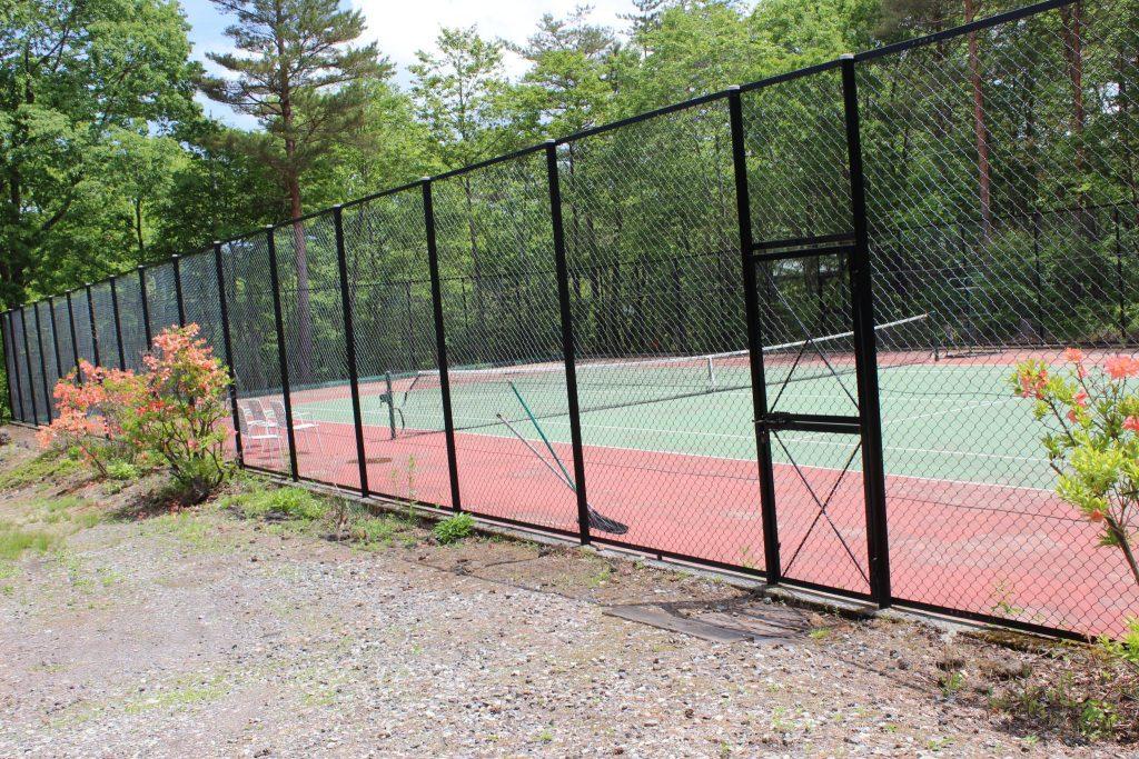 貸別荘ルネス軽井沢の専用テニスコート