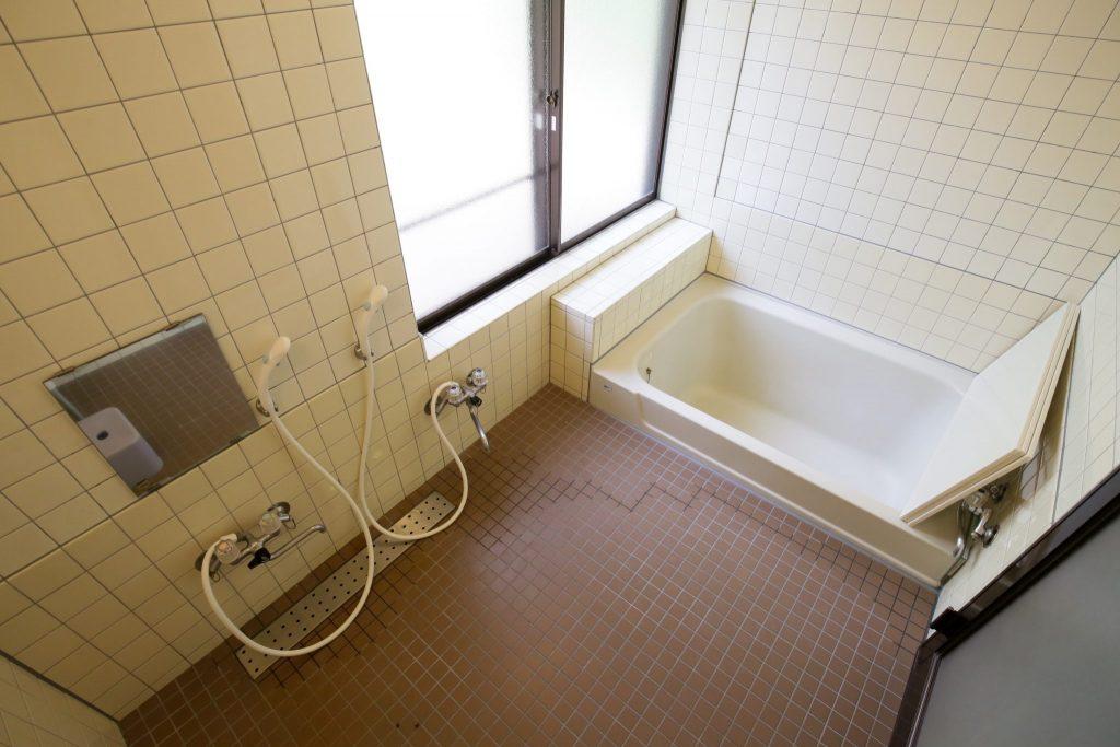 翠苑のバスルーム