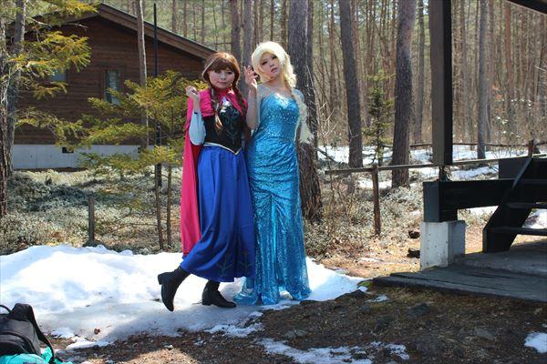 アナと雪の嬢王コスプレでアンを利用