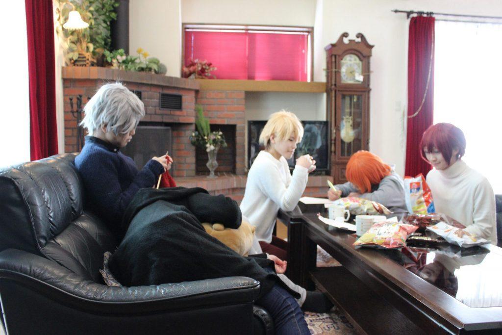 ルネス軽井沢のコテージリビングでコスプレ撮影