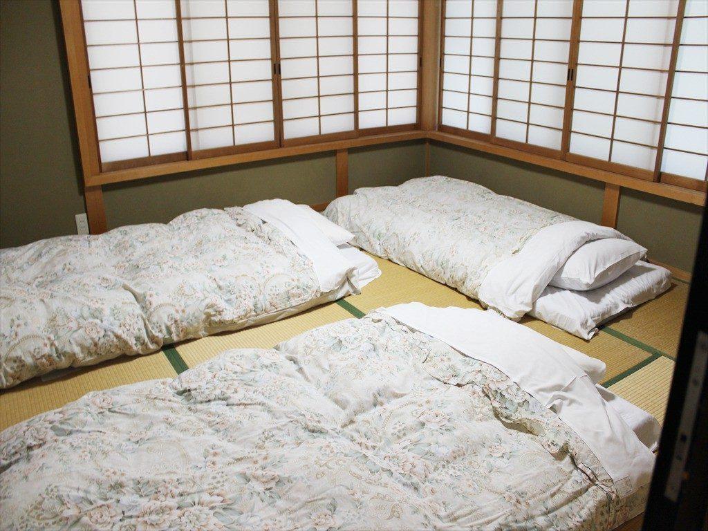 翠苑の中2階の和寝室