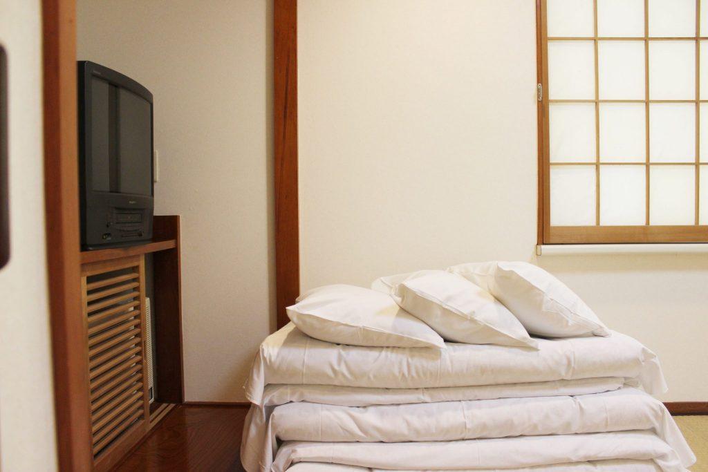 ロイヤルスィート「オーロラ」の和室の寝具