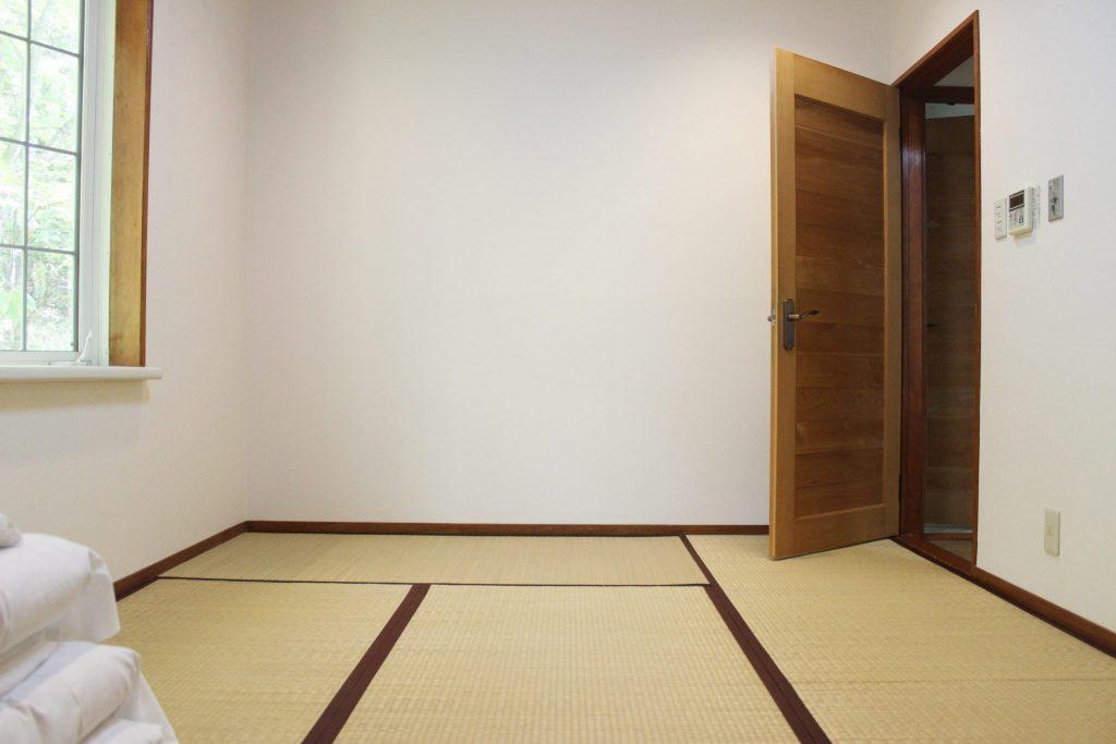 ロイヤルスィート「オーロラ」の畳の和室