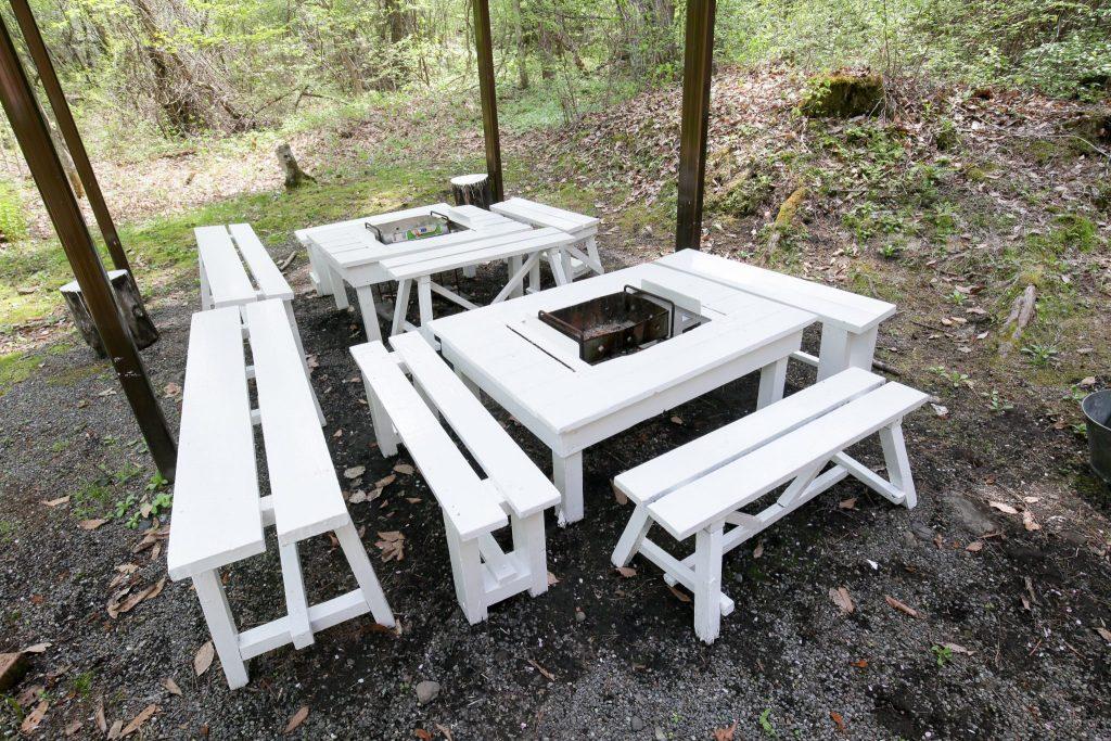 ロイヤルタイプコテージ「エクセル」のバーベキューテーブル