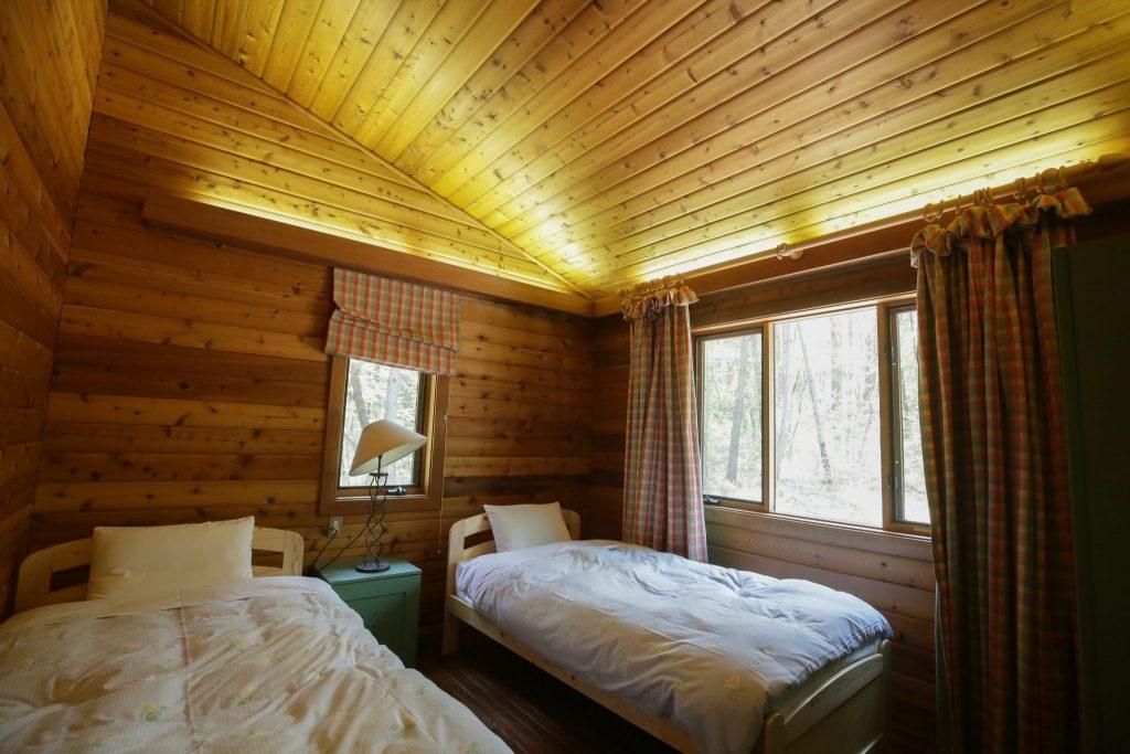 カールの西側ベッドルーム
