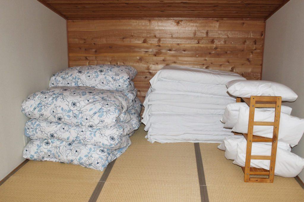 しおん星の12帖の寝室の寝具類