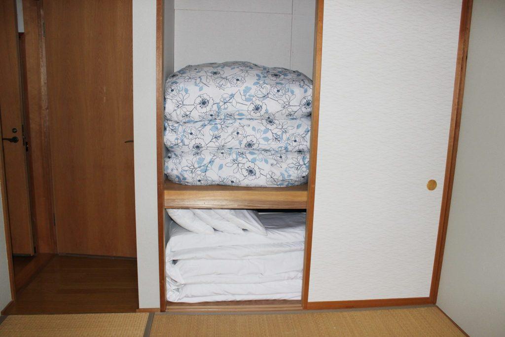2階の7.5帖の和寝室の寝具
