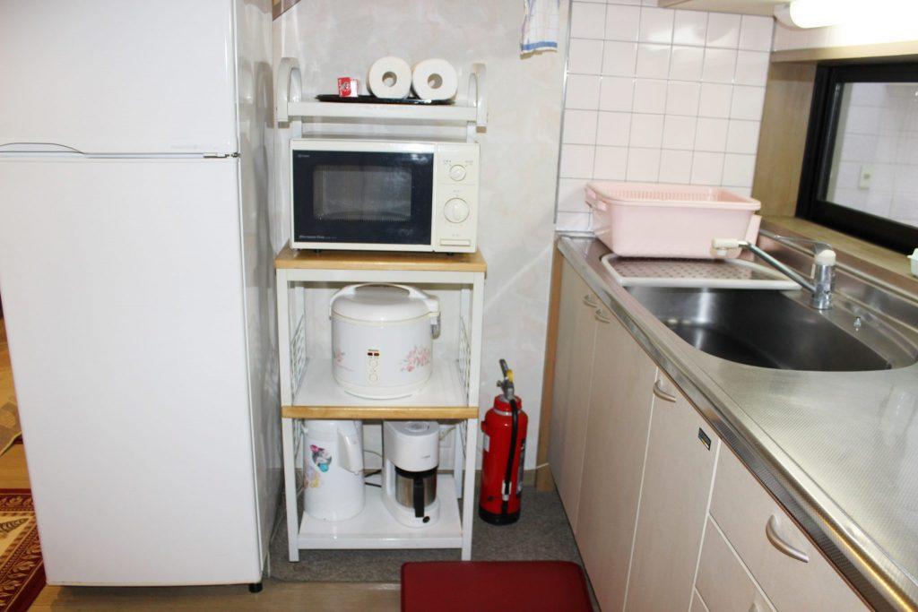 しおん虹のキッチン家電「冷凍冷蔵庫と電子レンジ、炊飯ジャー」