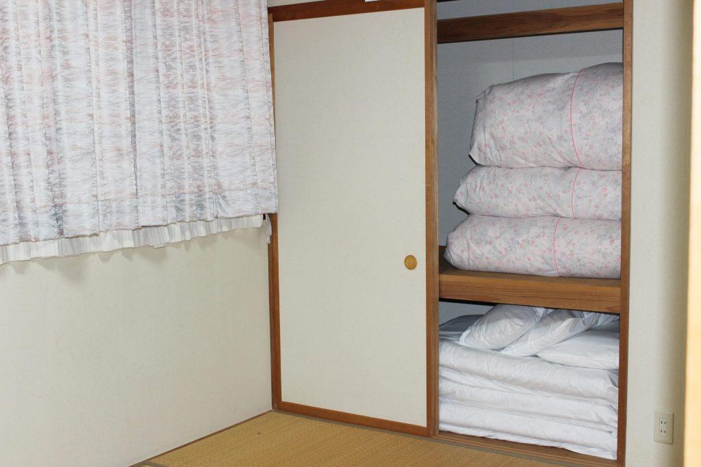 しおん虹の4名用寝室