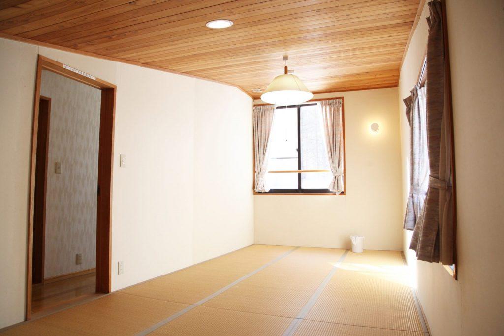 2階の12帖の和寝室