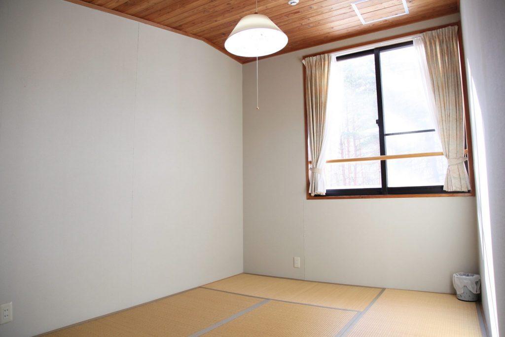 2階の7.5帖の和寝室