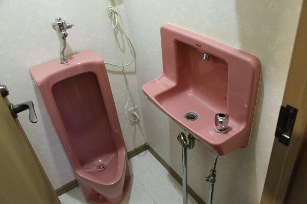 しおん虹の男子トイレ