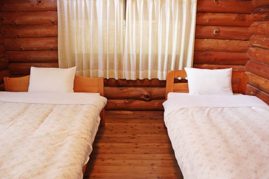 カンパニュラの中2階ツインベッドルーム