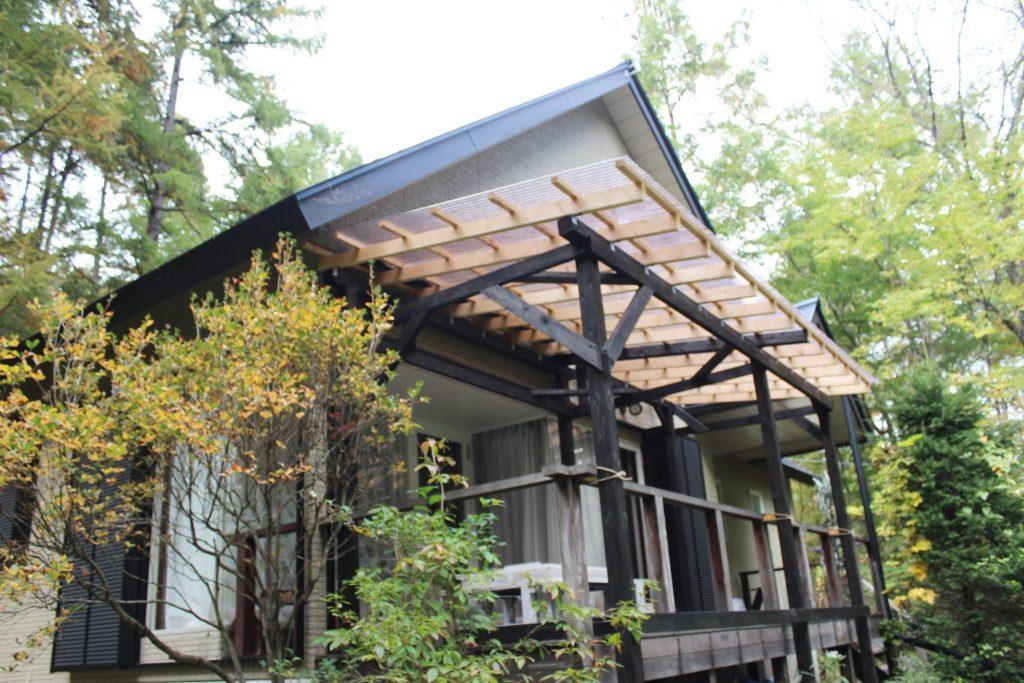 オーロラのバーベキューテラスは雨天決行できる屋根付き