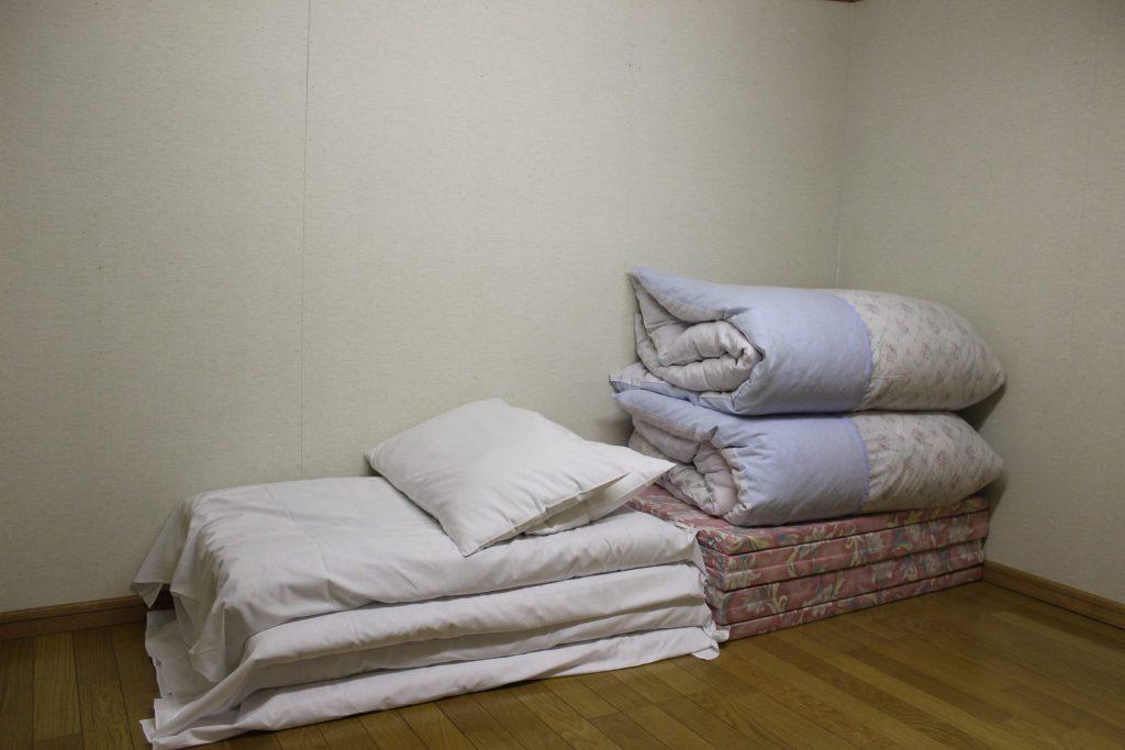 2階ロフト調洋間4.5帖(2名用)寝具2組