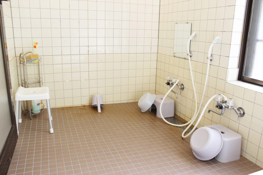 翠苑のバスルームの洗い場