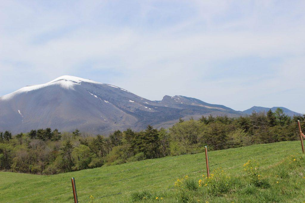 浅間牧場の見晴らしまきばからの浅間山