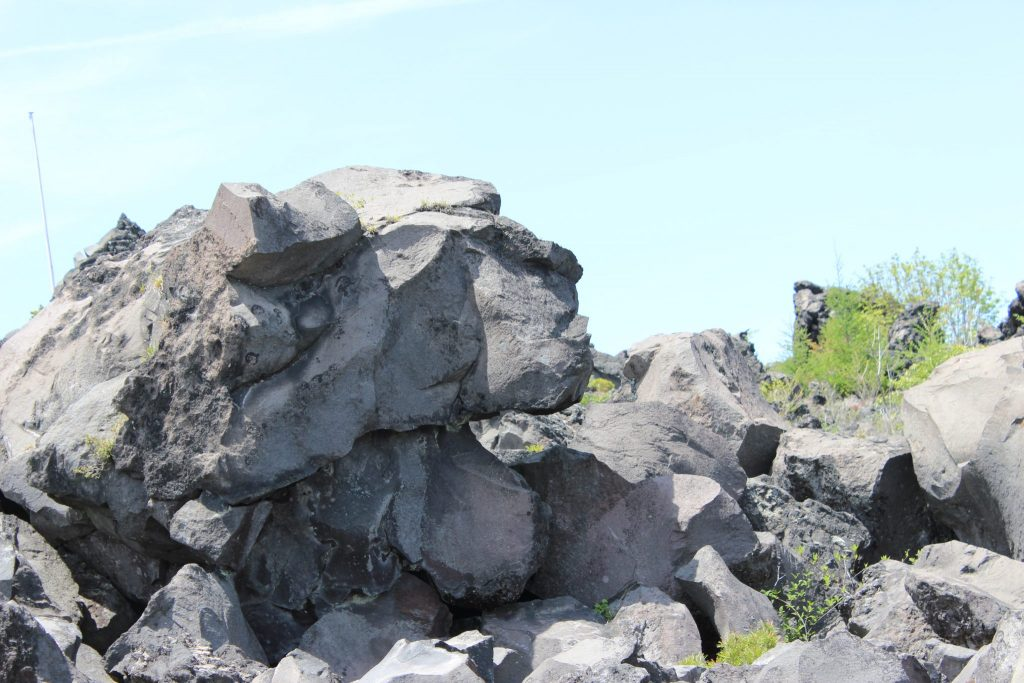鬼押し出し園 浅間山観音堂 溶岩石