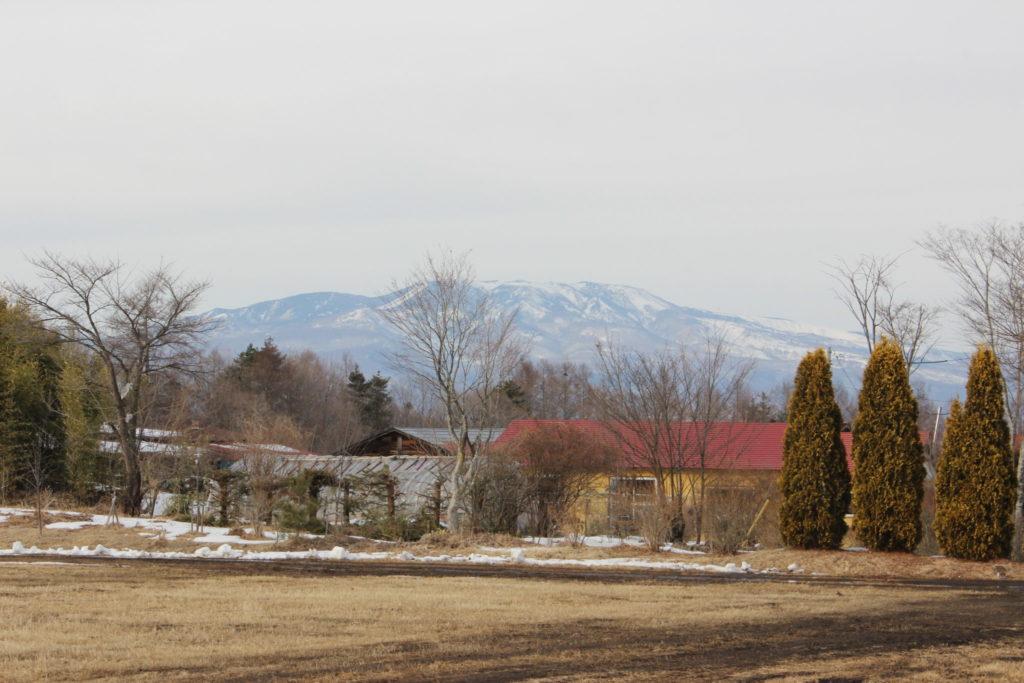 浅間山は雪化粧、2月から3月の浅間高原