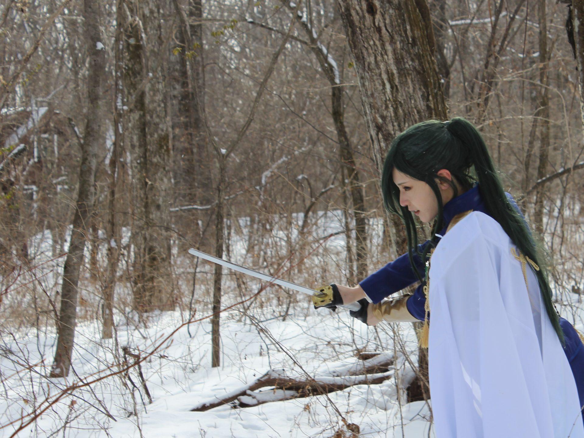 刀剣乱舞のコスプレ撮影・左が脇差「にっかり青江」・2月8日貸別荘ルネス軽井沢のアリエッティにて