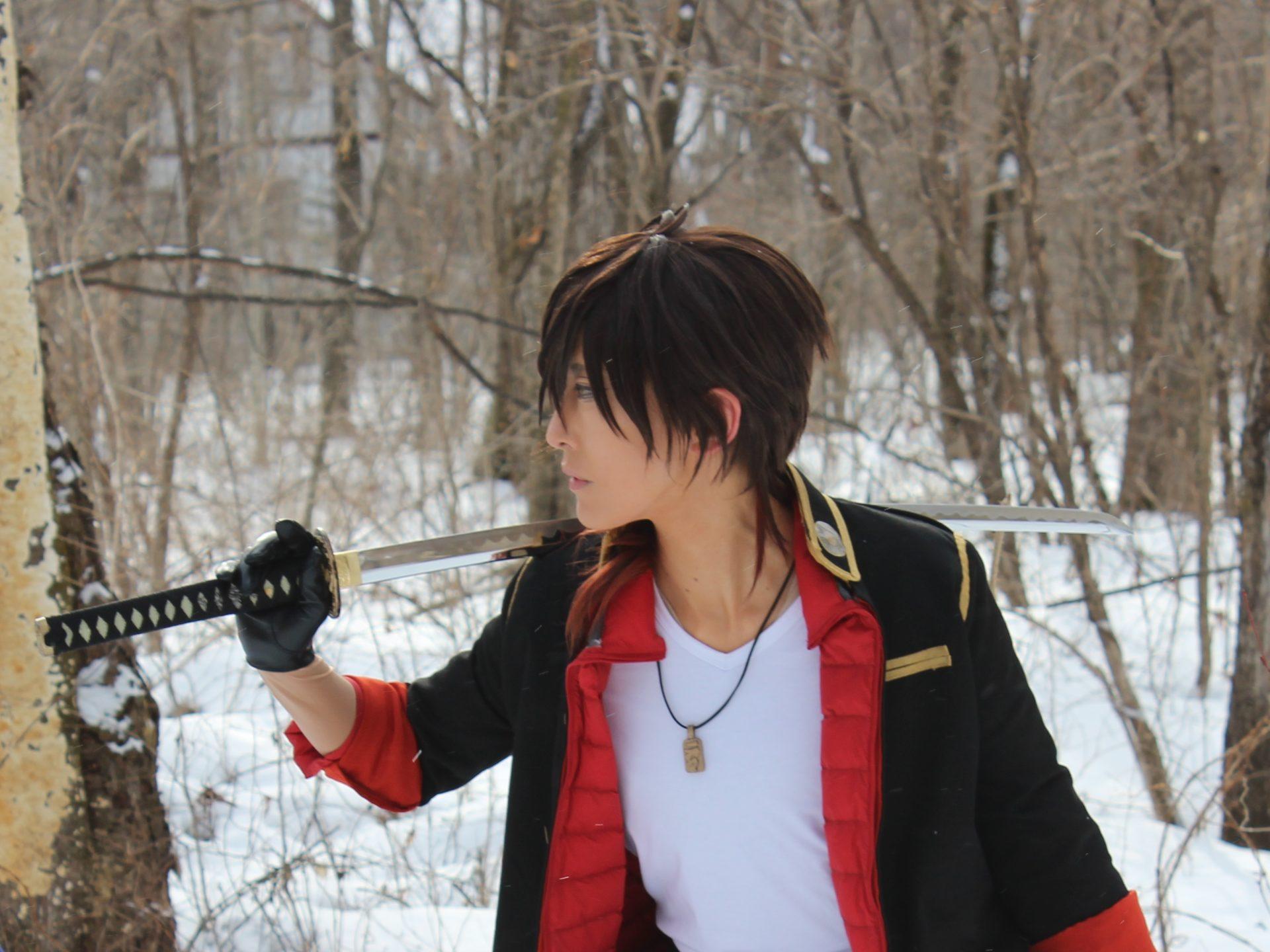 刀剣乱舞のコスプレ撮影・右が打刀「大倶利伽羅」2月8日貸別荘ルネス軽井沢のアリエッティにて