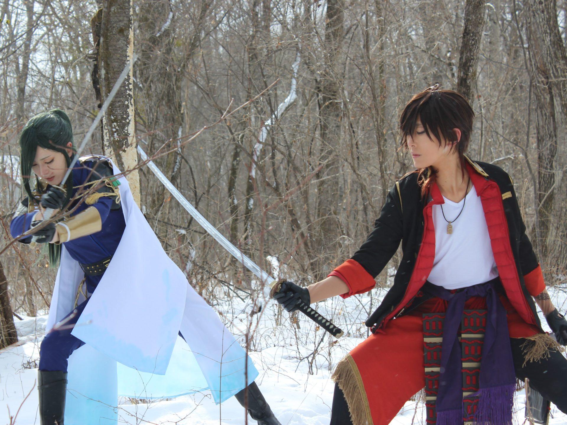 刀剣乱舞のコスプレ撮影・左が脇差「にっかり青江」・右が打刀「大倶利伽羅」2月8日貸別荘ルネス軽井沢のアリエッティにて