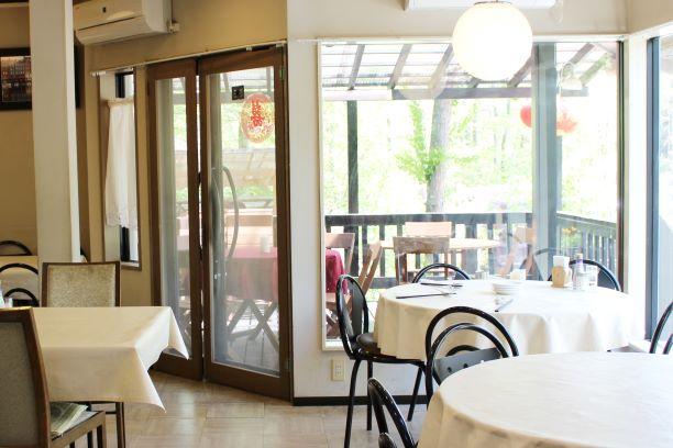 ルネス軽井沢のフロント事務所のラウンジも兼ねています。